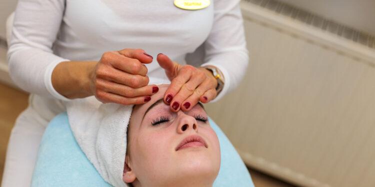 Masaža lica | Tretmani i usluge - Kozmetički salon Diva Plus